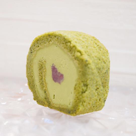 ナナハコ米粉の抹茶ロール